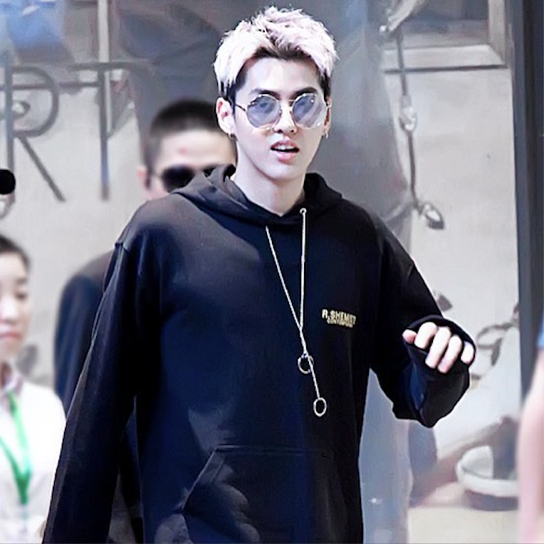 KRIS WU WEARS FOR ART'S SAKE DESIGNER SUNGLASSES MYKONOS SILVER