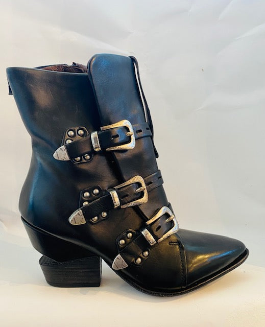 AS98 Black western boot