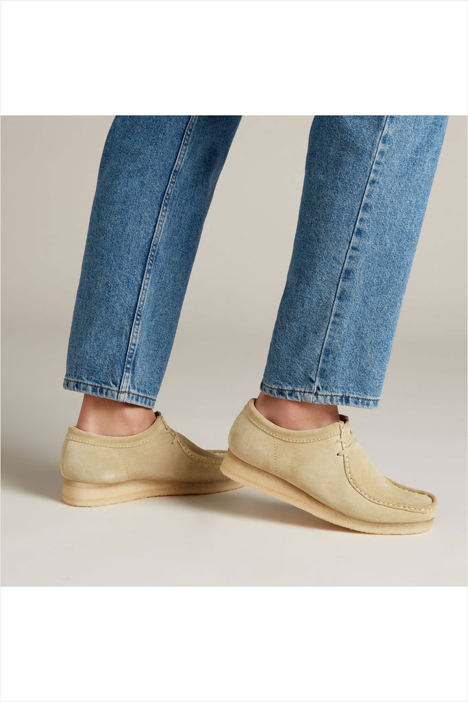 Clarks Women's Suede Wallabee Maple Suede