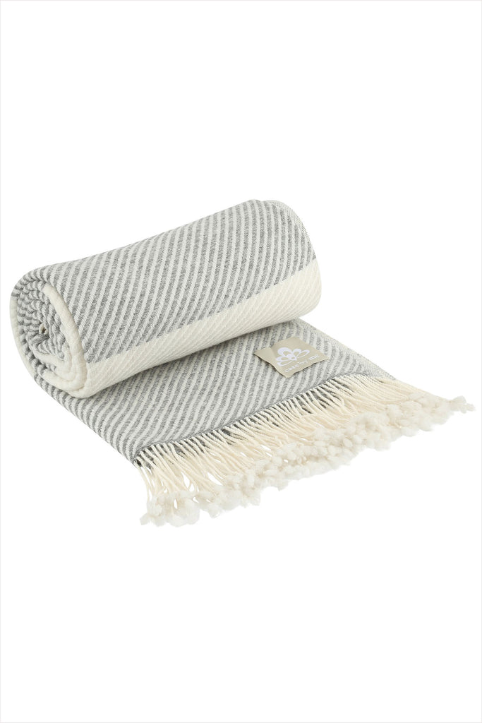Solene Throw White Grey