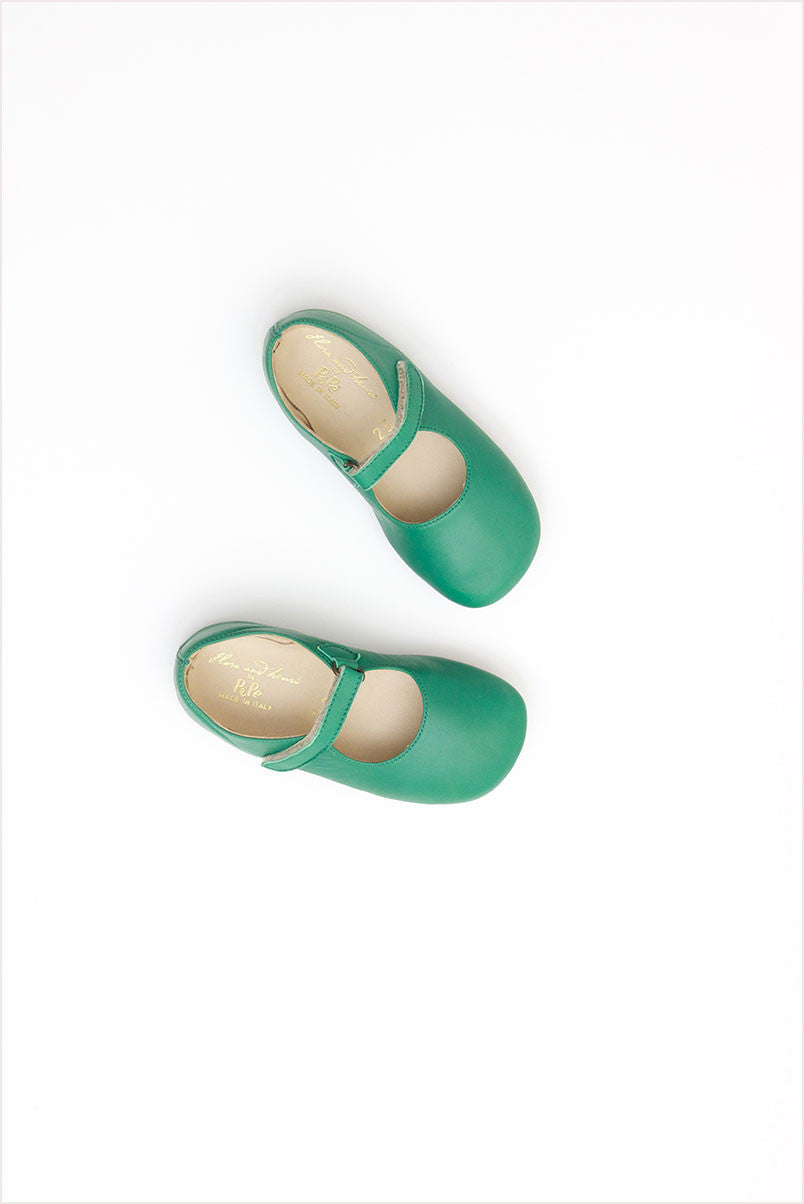 Frances Flat Bright Green