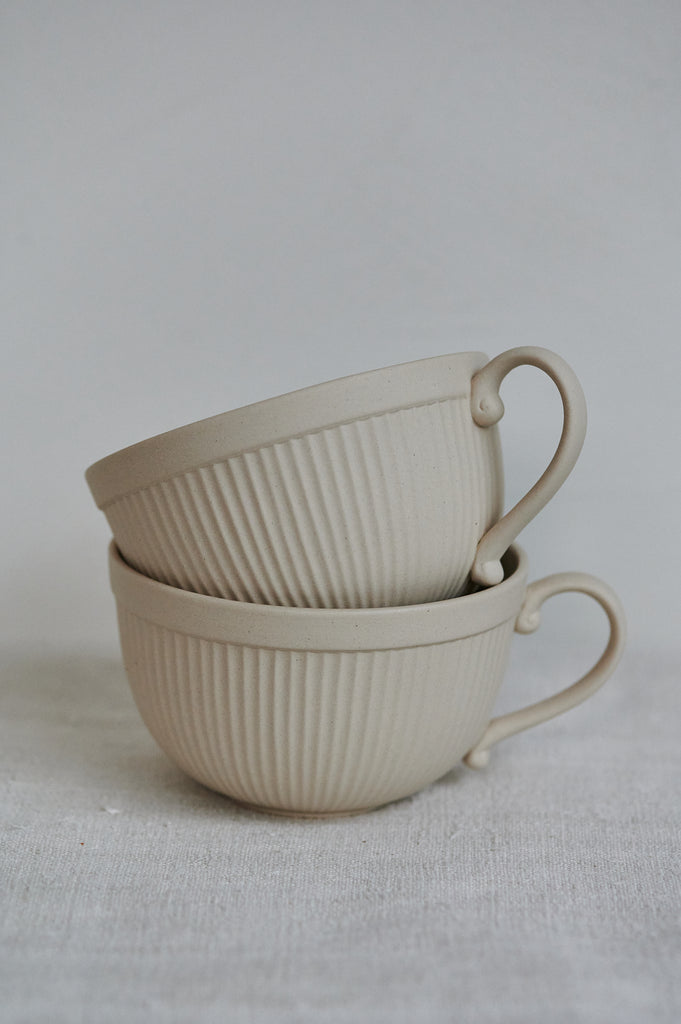 Stoneware breakfast cup