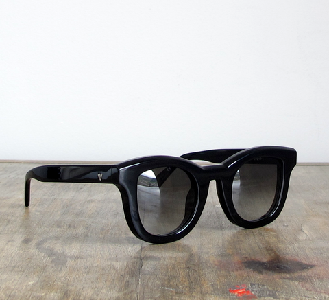 Introducing the Wolfgang frame!  Available in black gloss with a gradie... click for more information