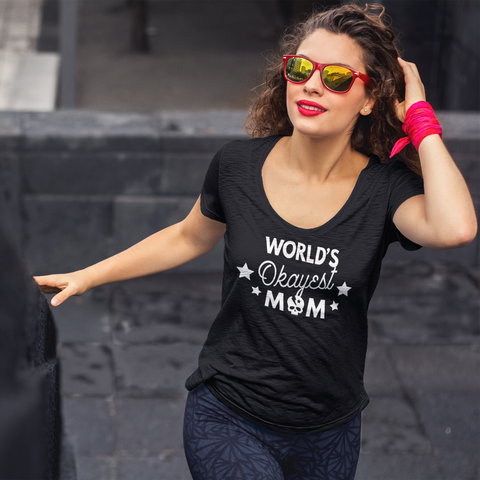 worlds okayest mom t-shirt black