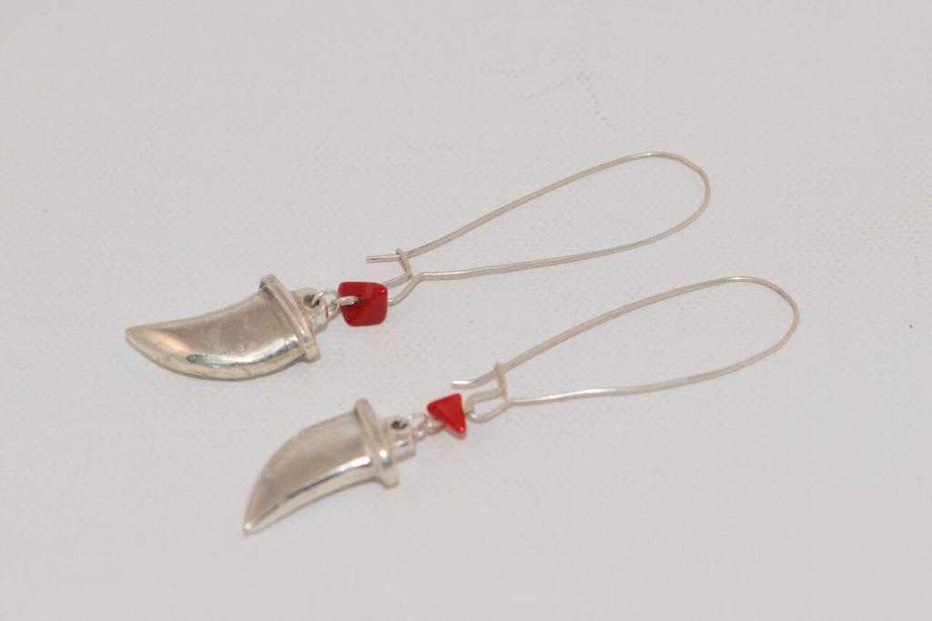Shepherd's Hook earring with tooth