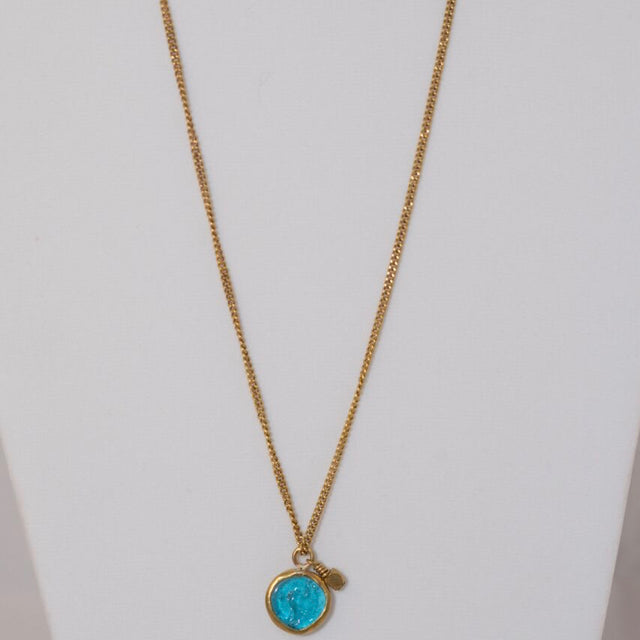 Glass short necklace