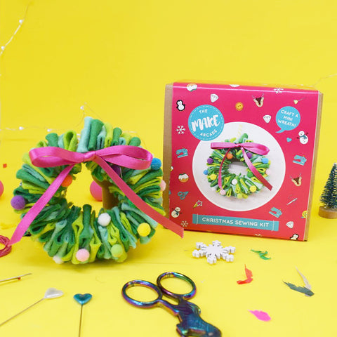 'Pom Pom Wreath' Mini Wreath Craft Kit