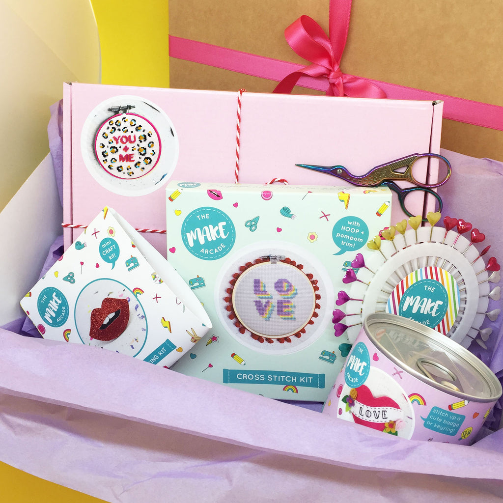 WE LOVE CRAFT! BUMPER GIFT BOX