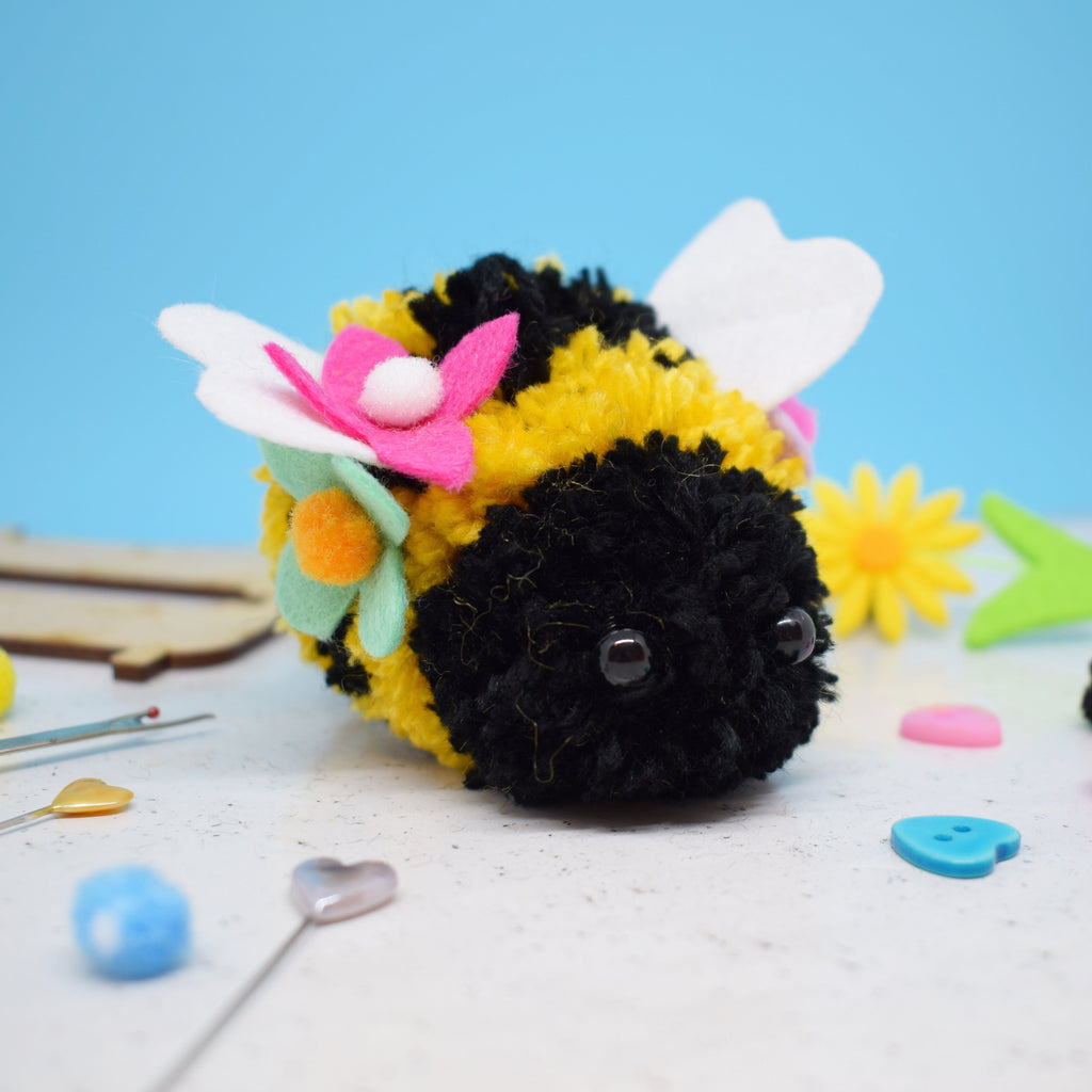 'Bjorn Bee' Pom Pom Craft Kit