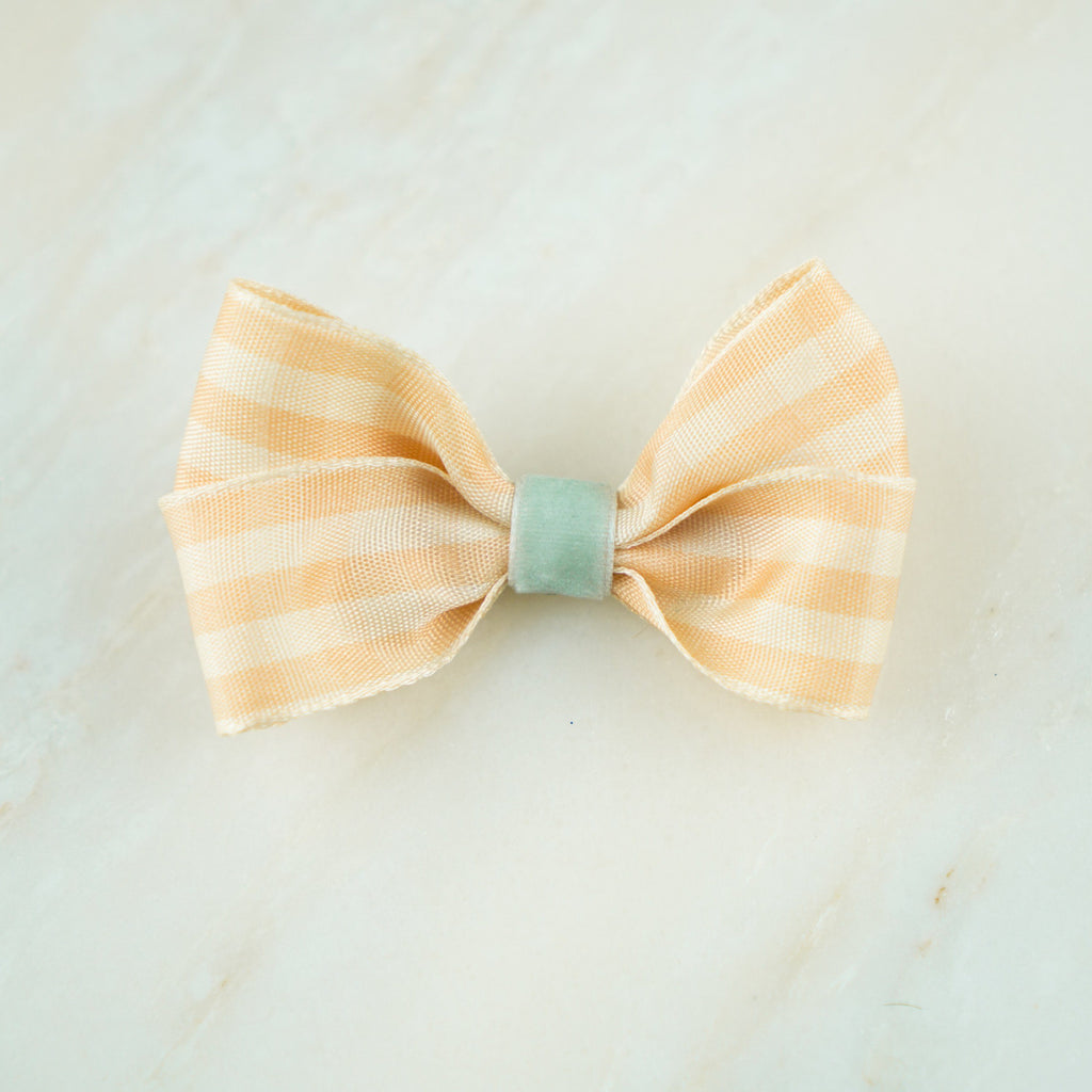 Feeling Peachy Bow