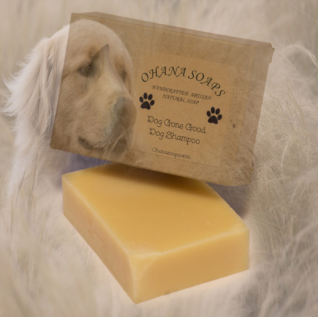 Ohana Soaps' all-natural dog shampoo bar is made with jojoba oil, vitamin E, aloe vera and 8 essential oils to leave your dog smelling good, moisturize your baby's skin and help repel bugs.