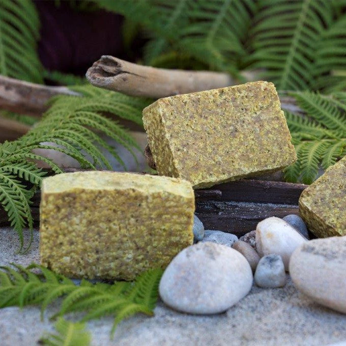 Ohana Soaps' Pacific Shores Sea Salt Scrub soap has an exotic fragrance that offers sweet, creamy coconut with hints of warm vanilla and exotic musk. While the mango papaya is a mouth-watering mélange that is inundated with bursts of tropical delight. Fragrances are blended to complete this island aroma.