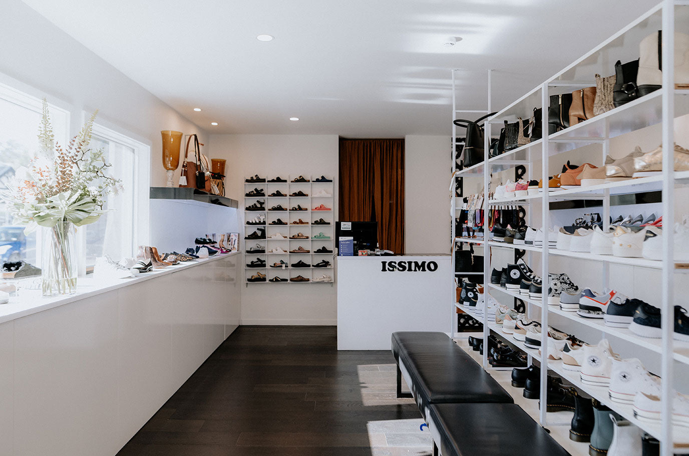 issimo christchurch inside shoe store with saben handbags in christchurch
