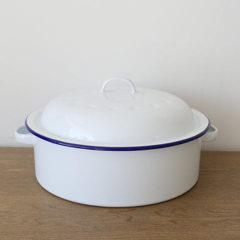 Falcon Enamel Round Roaster in White and Blue 26cm