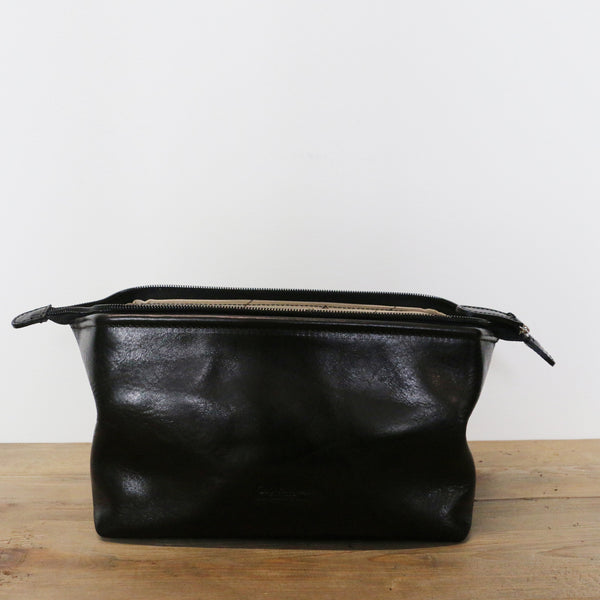 Medium Leather Toilet Bag in Black