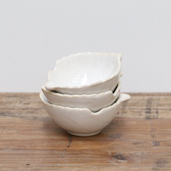 White Leaf Dish Medium