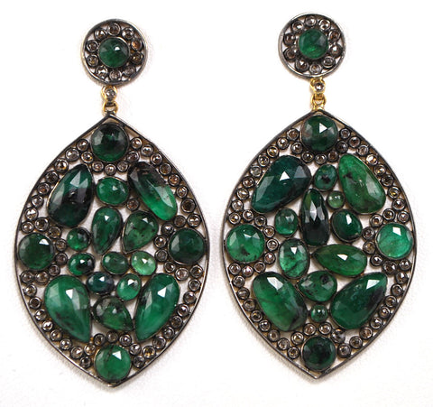 D3104 emeralds earring