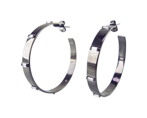E3060-2 Earring hoop with baguettes