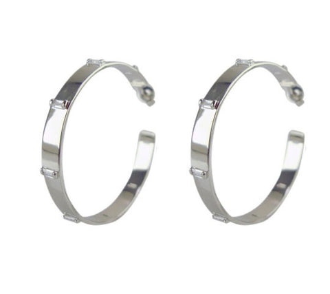 E3060-3 Earring hoop with baguettes