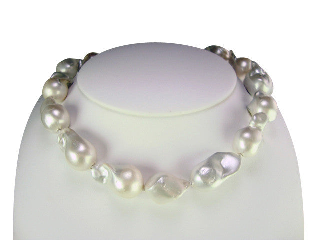 pearlstory huge en baroque necklace pearls kaelakee barokkparlitest