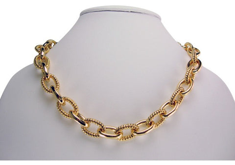 n4928 gold link textured necklace