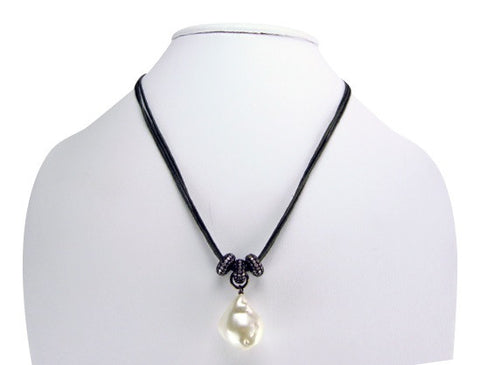 n4945-2 leather and pearl necklace