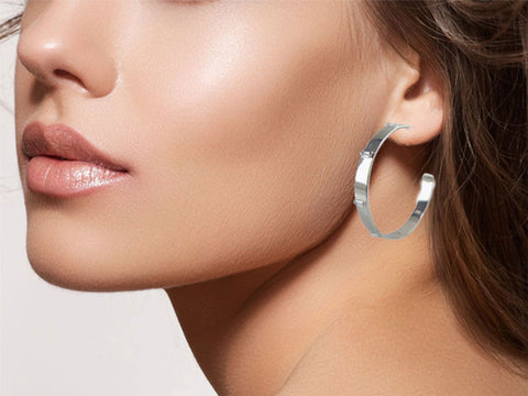 E3060 Earring hoop with baguettes