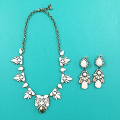 LUNA NECKLACE - WHITE