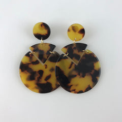 TORTOISE SHELL RESIN CIRCULAR DROP EARRING