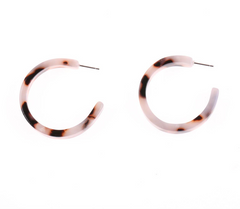 TORTOISE SHELL RESIN HOOP EARRING - PALE BROWN