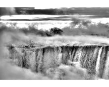 Horseshoe Falls in black and white