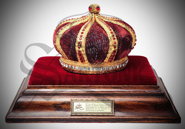 "© SARTONK. Replica of Muhammad Ali's crown made by the original artist, Ardash Sahaghian. Displayed on loan at ""I Am the Greatest: Muhammad Ali Exhibit"" at the O2 in London. Photo Credit: Lourenso Ramautar"