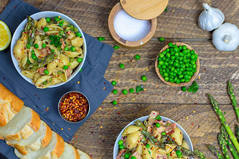 Creamy Spring Pea, Asparagus and Bacon Pasta
