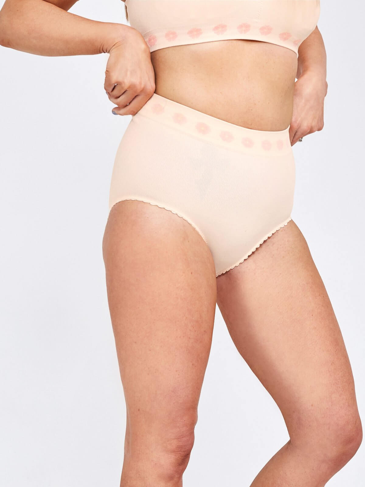 Petal Bamboo Medium Support Brief Vanilla