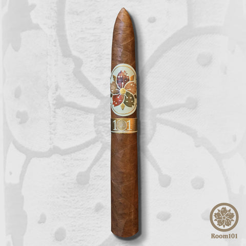 Hit & Run Piramide (6 x 50) Cigar by Room 101 & Caldwell Cigars