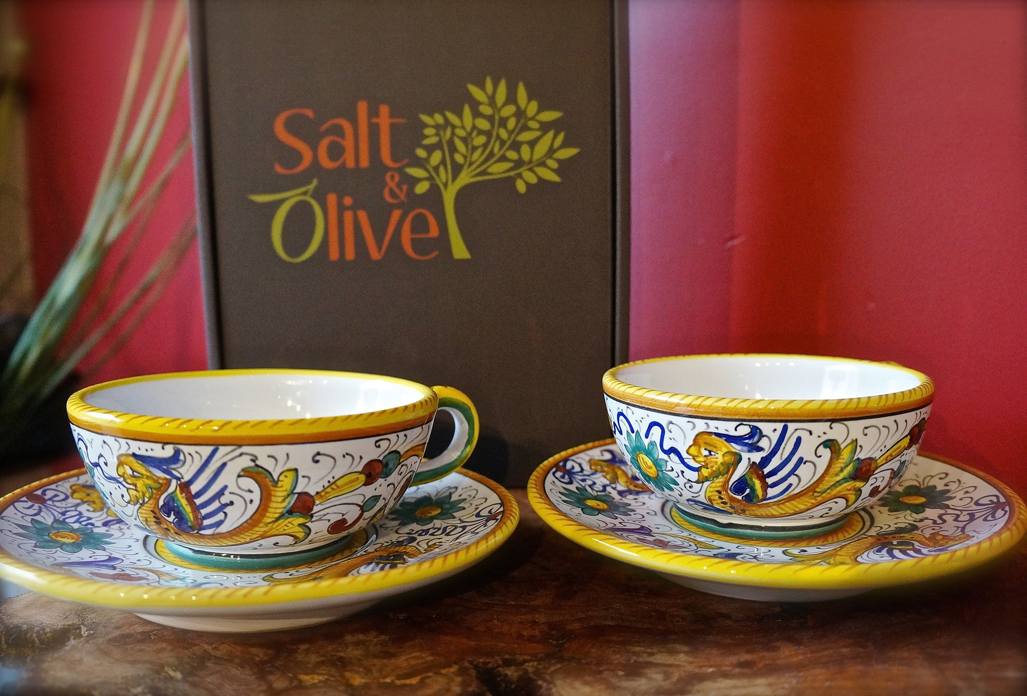 Deruta Raffaellesco Tea Cup and Saucer Set with Moroccan Mint and Mexican Chocolate Teas