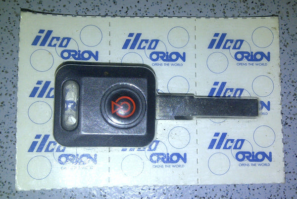ILCO-ORION Blank key (flat type) with transponder chip suitable for VW, Audi, Seat & Skoda
