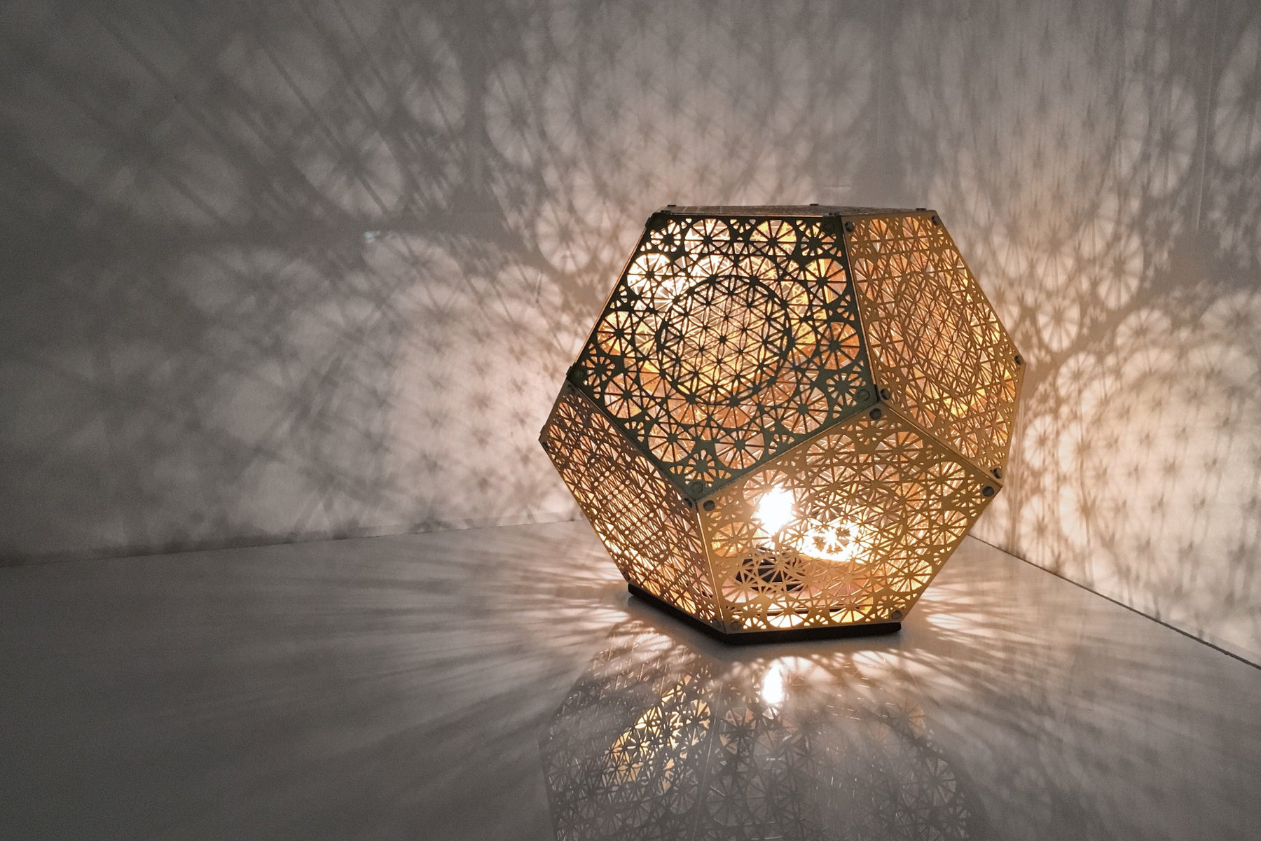 Shadow Lamps Pre Order Hybycozo Dodecahedron Table Light