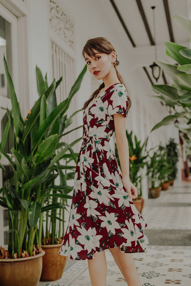 KINGSTON FLORAL WRAP MIDI DRESS (MAROON)