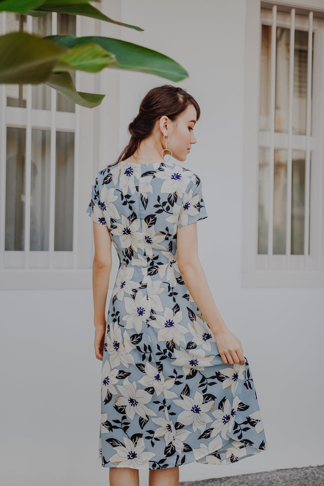 KINGSTON FLORAL WRAP MIDI DRESS (LIGHT BLUE)