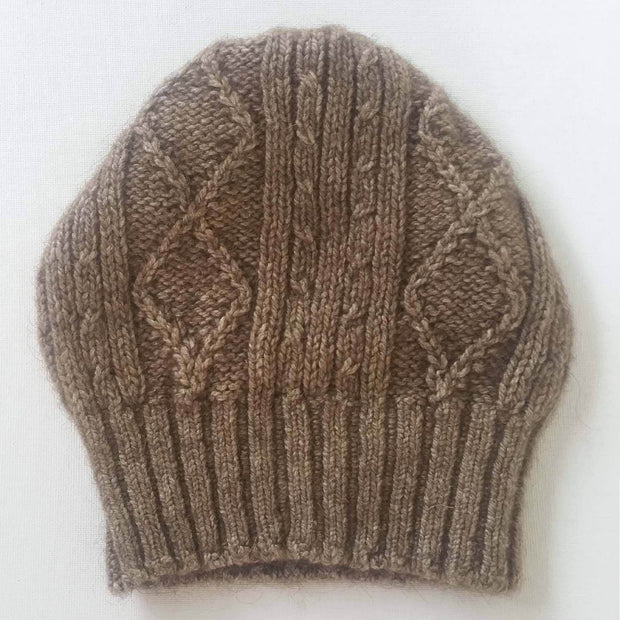 Diamond cabled knitted hat - natural