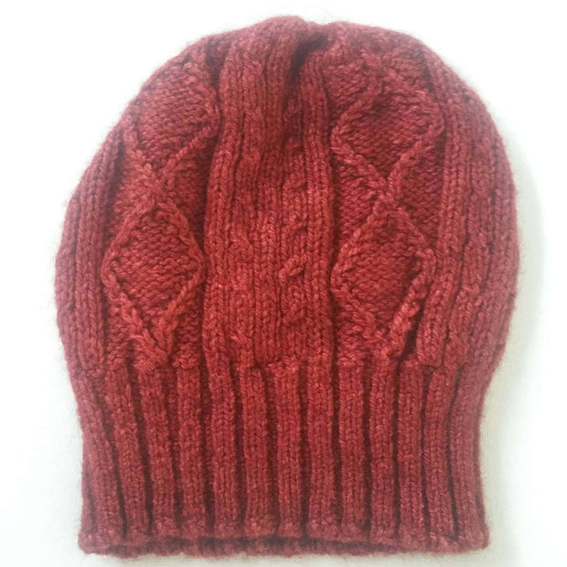 Diamond cabled knitted hat - red
