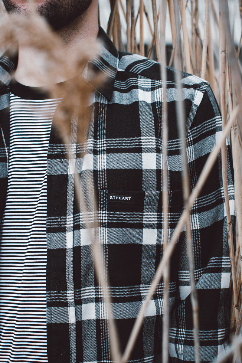 Braderick Flannel Long Sleeve :: Onyx