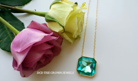 TEAL GREEN CRYSTAL PENDANT