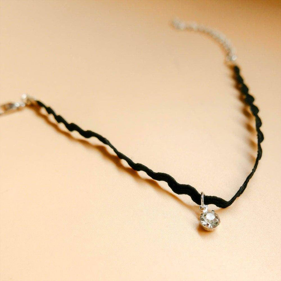 Rippling Rhinestone Black Anklet For Woman
