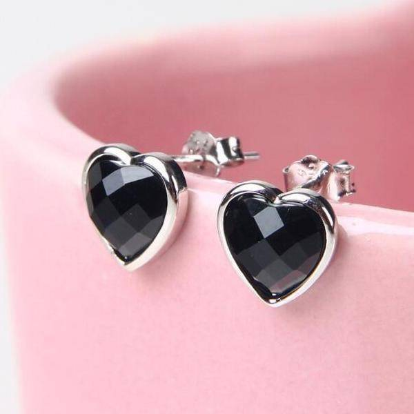 Faceted Black Agate Heart Stud Earrings