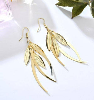 ON SALE - Dangling Feathers Earrings in Gold or Silver