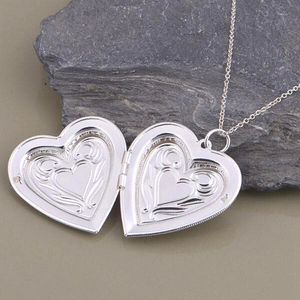 Lovely Embossed Oversize Silver Heart Locket Necklace For Woman