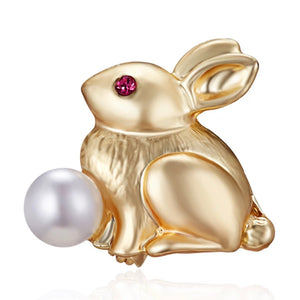 Matte Gold Finish Animals Pearl Brooch Pin