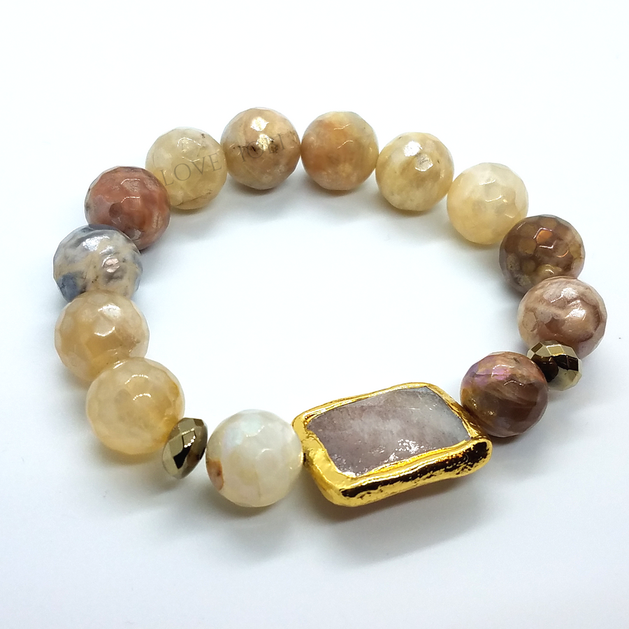 ON SALE - Natural Peach Moonstone Briolette Stretch Bead Bracelet